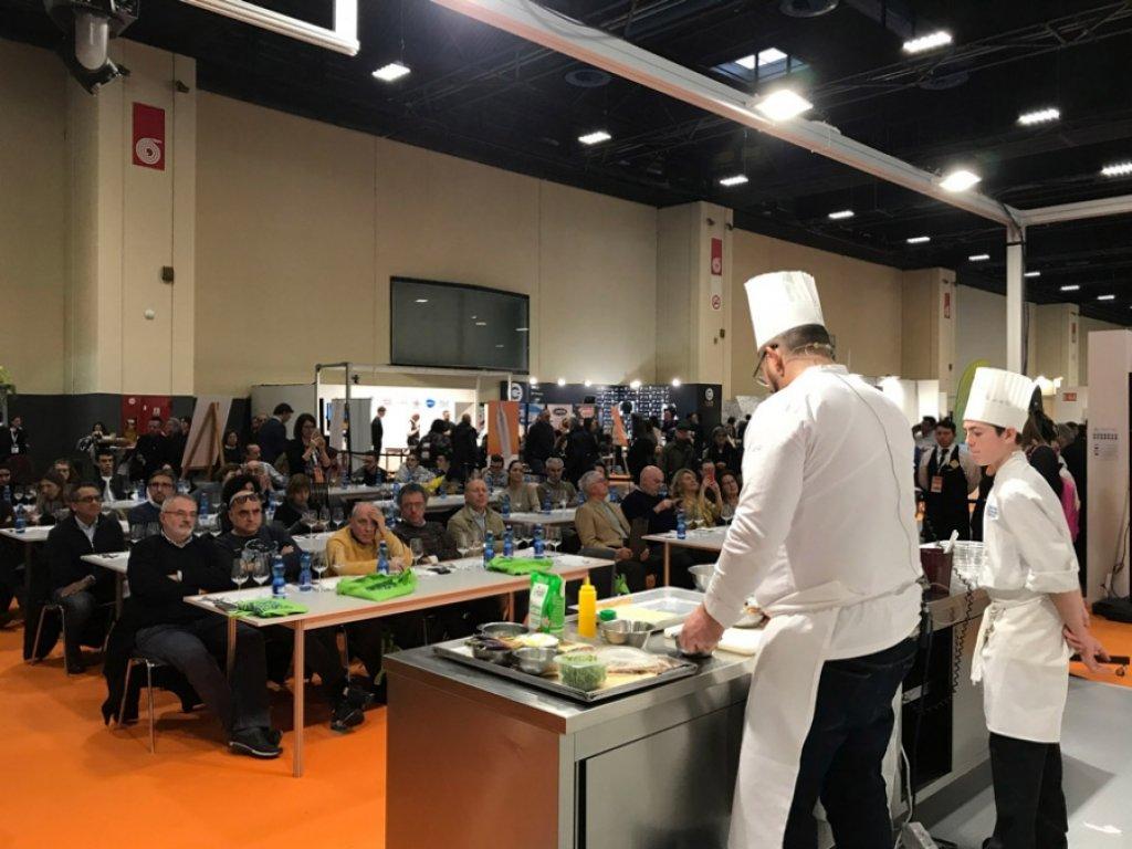TURIN : ÉLÈVES ET CHEFS AU GOURMET FOOD FESTIVAL